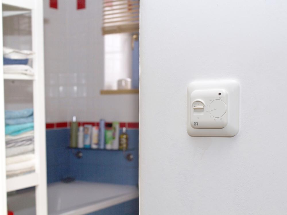 termostat pro elektrické podlahové topení