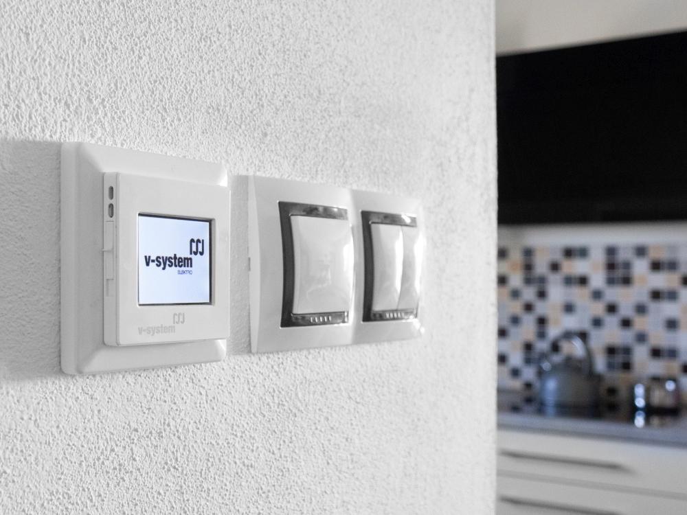 pokojový termostat pro elektrické podlahové topení