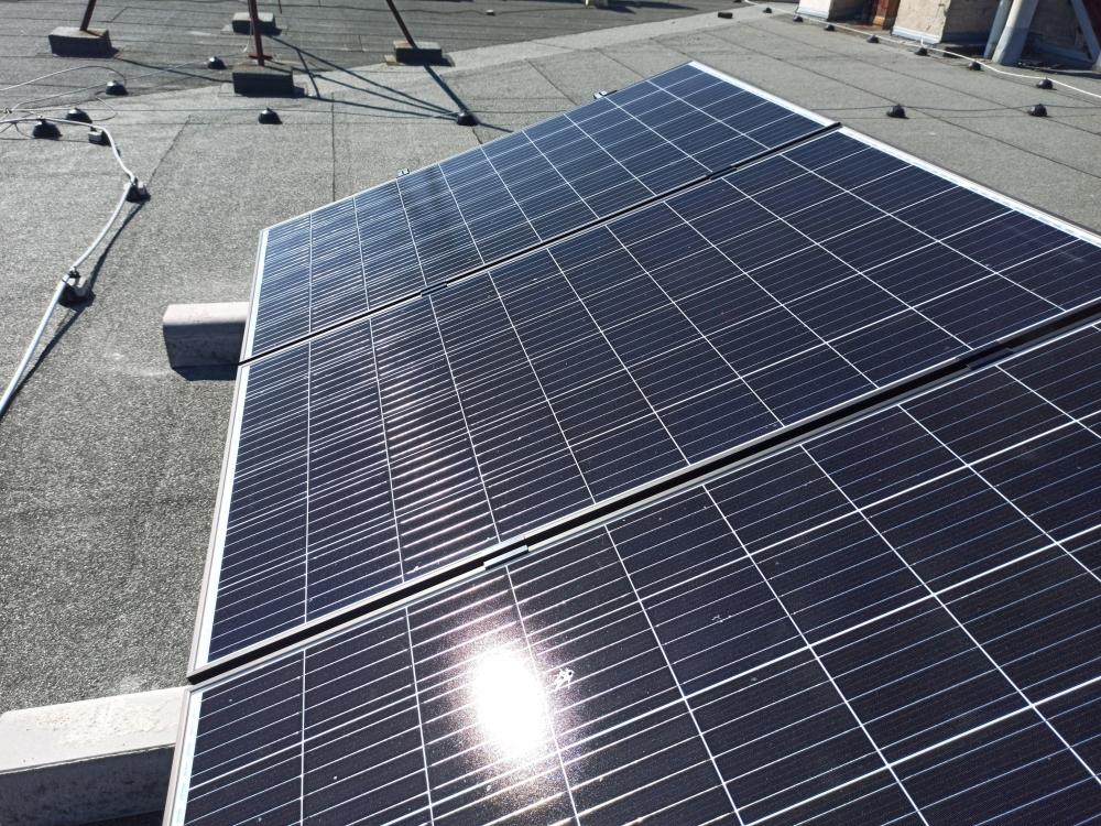 fotovoltaika plochá střecha Benešov
